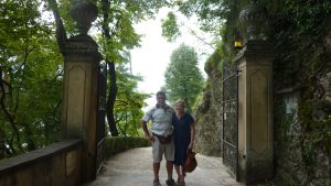 Suellen and Craig from Mt Tambourine in Queensland kindly took our photo. Thank you!
